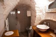 trulli-donna-isabella-camera-il-gelso-vista-bagno